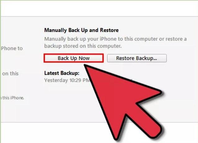 Maak een back-up van je iPhone met iTunes.