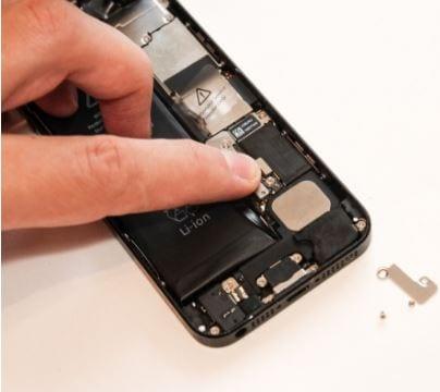 iPhone Batterie ersetzen - Schritt 7
