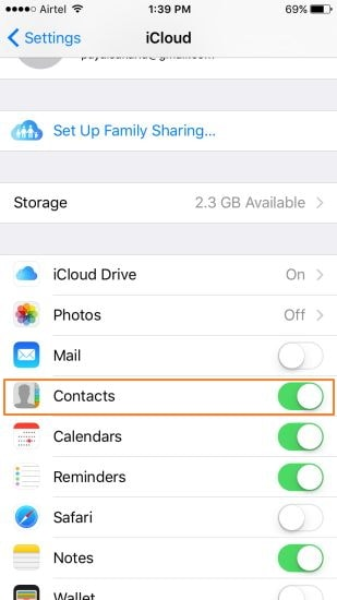 log in with apple id to Merge Duplicate Contacts on iPhone
