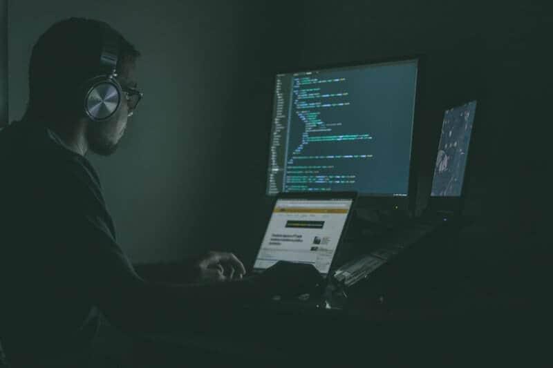 dark web hacker