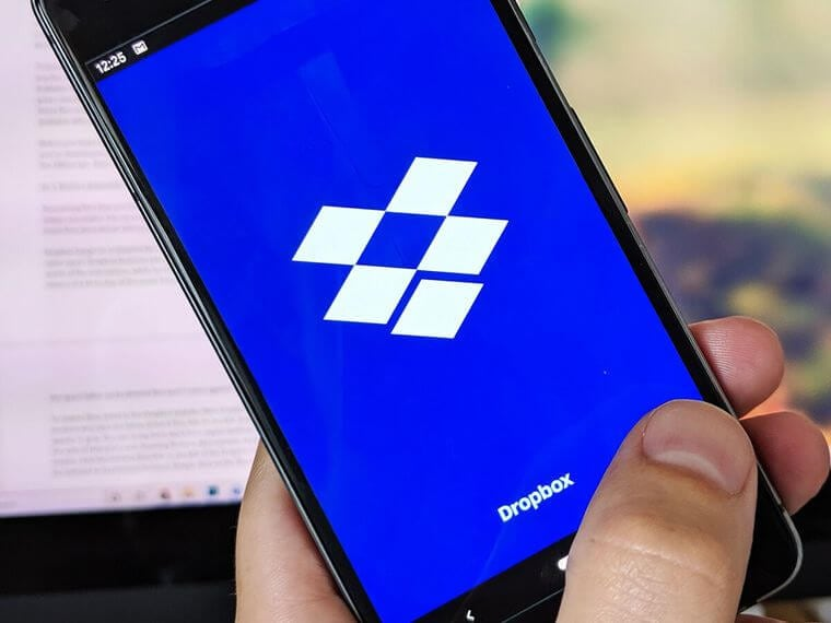 interacting with dropbox application in mobile device
