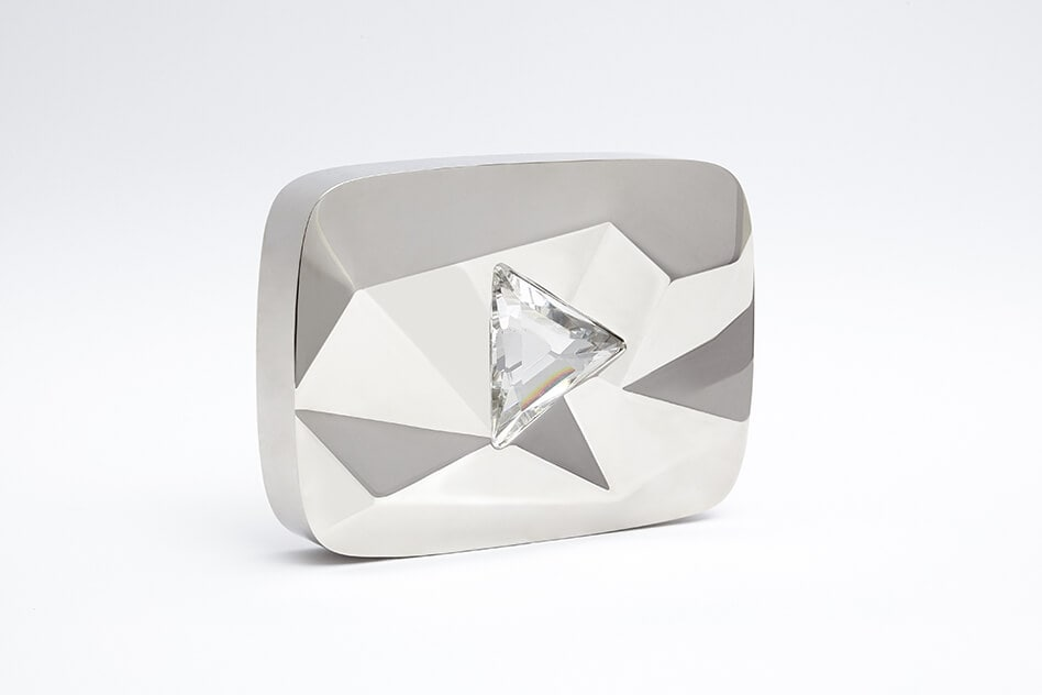 play-btn-awards-diamond-level