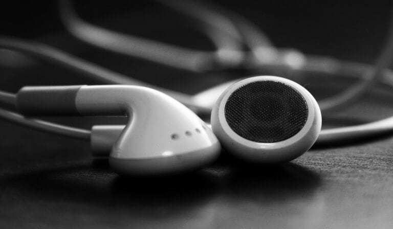 Top 4 Ways to Transfer Music to iOS 9 Apple Devices