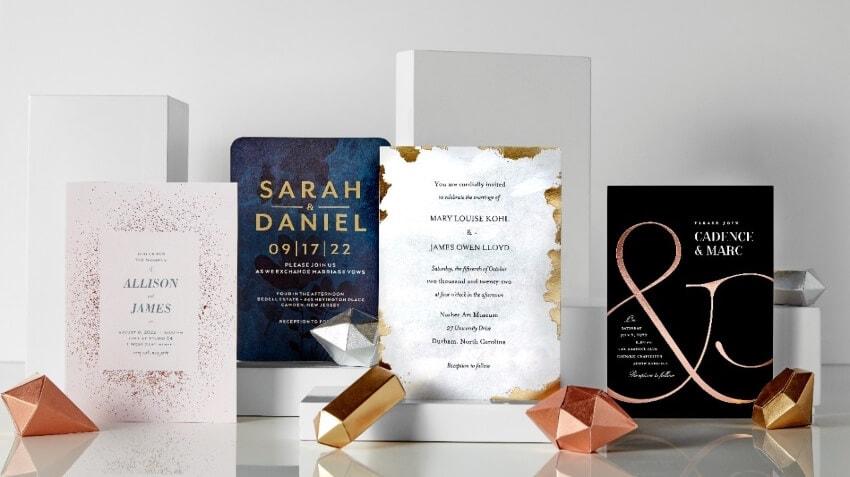 decide color and design of wedding invitation card