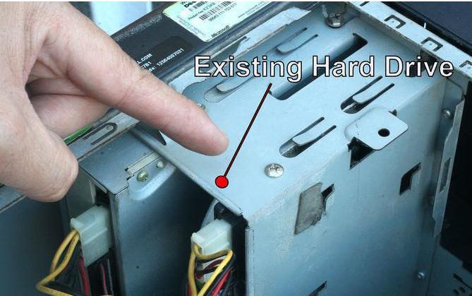 Ersetzen Sie die Festplatte - Schritt 3