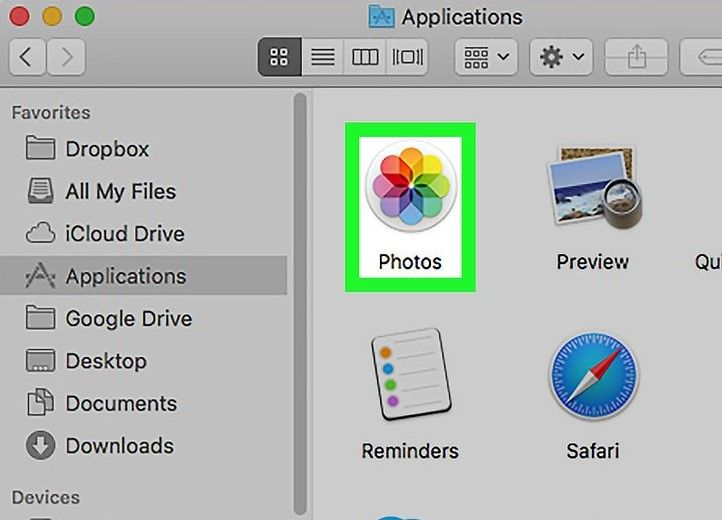 loacte Photos on Mac
