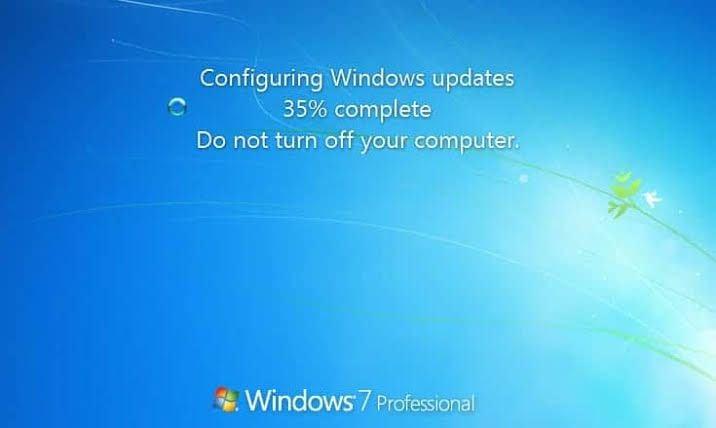 windows update stuck at 35