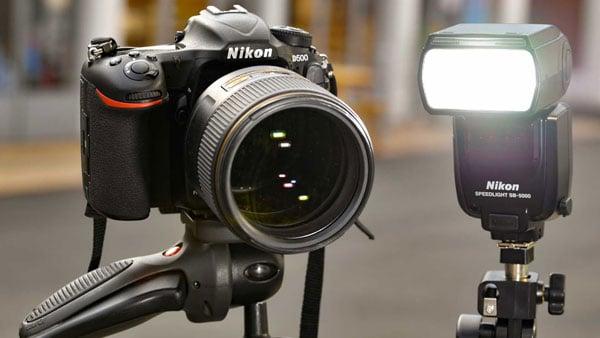 camera taking black pictures through extra lighting