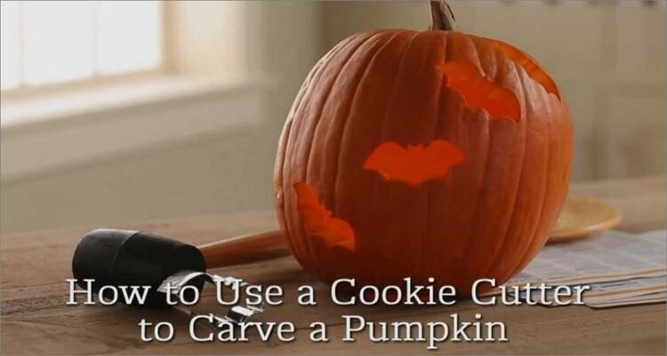 Ideen zum Schnitzen von Halloween-Kürbissen - Keksausstecher Kürbis